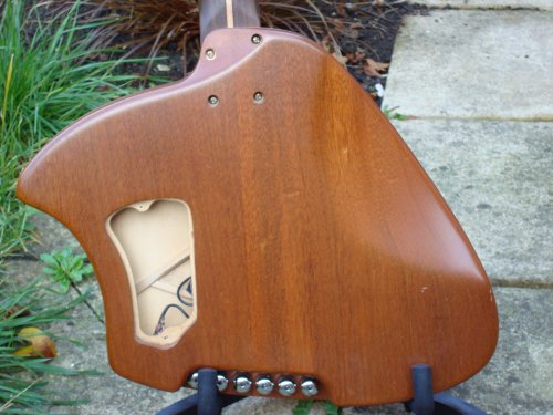 MaSH Ergo Acoustic Guitar Back Closeup