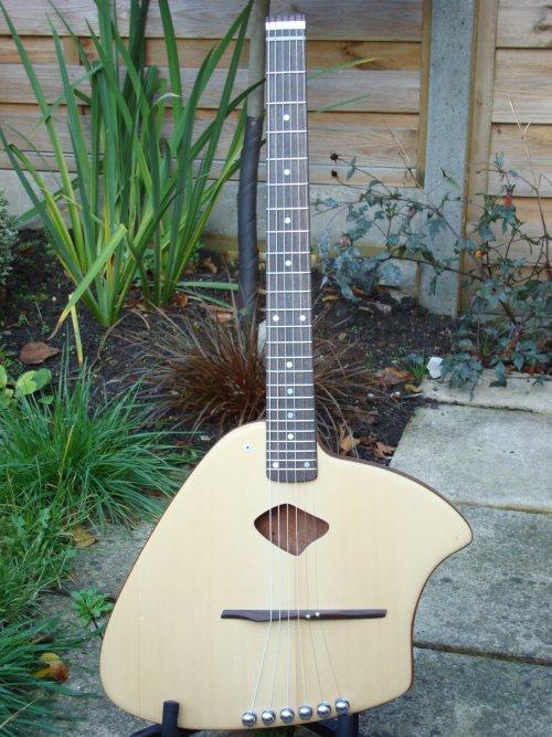 MaSH Ergo Acoustic Guitar