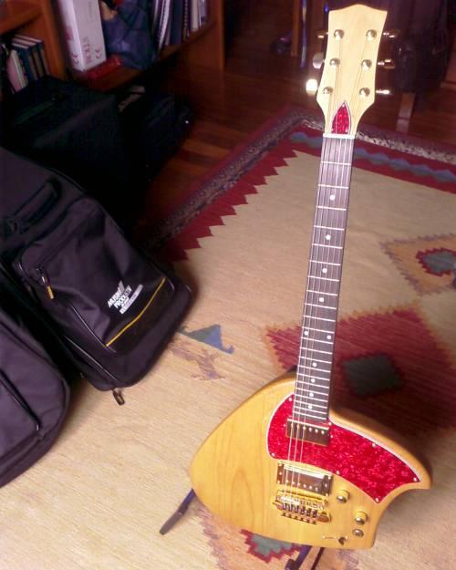 Short Scale Klein Guitar